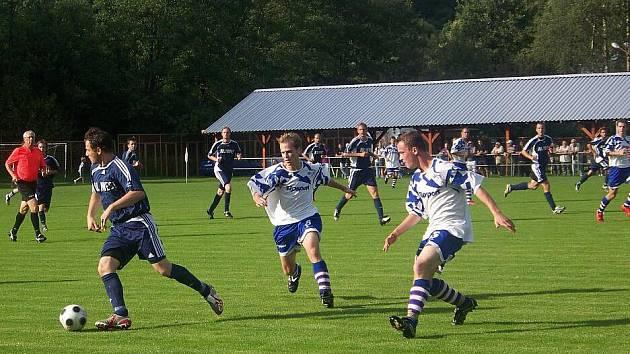 Fotbalisté Břidličné chtějí v sobotním utkání proti Zlatníkům zvítězit a udržet špici tabulky I. B třídy.