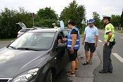 Všichni řidiči v Krnově při dechové zkoušce prokázali, že před jízdou nepili alkohol. Odměnou za jejich zodpovědnost byla plechovka nealkoholického piva.