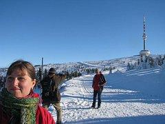 Na Pradědu i Šelenburku se mohli výletníci zahřát a užít si krásného počasí. Účastníci novoročních výstupů si mohli v cíli koupit čtyřlístek a přispět tak do sbírky na bezbariérovou úpravu turistických tras. Čekal je samozřejmě také pamětní list.