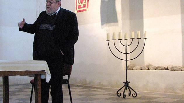 Karol Efraim Sidon se v krnovské synagoze snažil posluchačům nastínit nejen život mystika Löwa, ale také zjednodušeně popsat hebrejské učení.