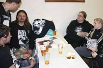 Critical Madness ze Šumperka předvedli při loňském Bugrfestu ve Staré Vsi skvělou šou. Letos se fanoušci mohou těšit na podobně skvělé kapely.
