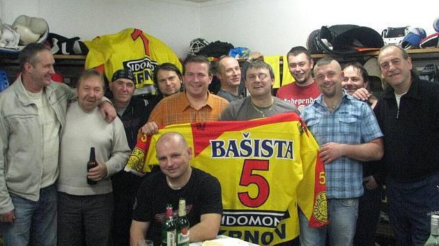 Mužstvo Olejářů urvalo vítězství a důvodů k oslavám bylo mnohem více.