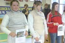 Nadějná krnovská fleretistka Klára Remešová (vlevo), která dosahuje na republikových i mezinárodních soutěžích velmi dobrých výsledků, má před sebou slibnou budoucnost.
