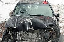 ŠKODU za půl milionu a dvě lehká zranění si vyžádala nehoda Jeepu v Horním Benešově. Řidič, přestože vezl v autě děti, sedl za volant pod vlivem alkoholu.