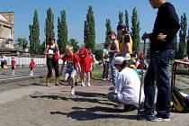 Děti z mateřských školek musely zdolat několik atletických disciplín.