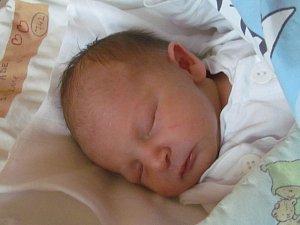 Jmenuji se ADEM BUČAN, narodil jsem se 5. Listopadu 2018, při narození jsem vážil 2980 gramů a měřil 46 centimetrů.