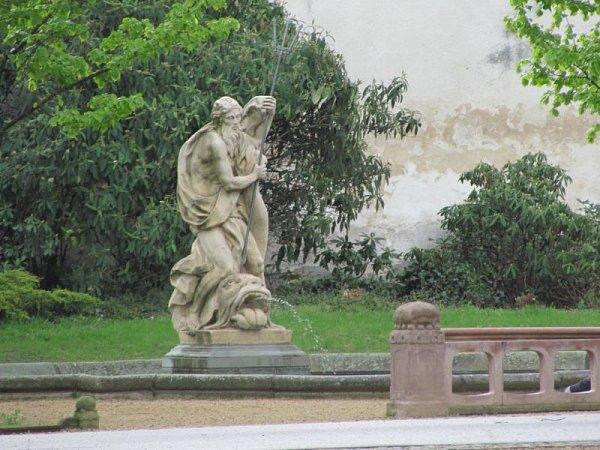 Krnovský Neptun, římský bůh a vládce vodního živlu, byl původně vyroben pro zámeckou zahradu ve Slezských Rudolticích.