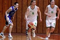 Krnovské basketbalistky jsou krůček od postupu. Dvakrát porazily Ústí nad Labem a schází jim už jen jedna výhra.