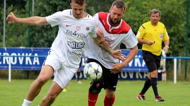 Real To Praha jezdí se svými benefičními zápasy na hřiště klubů v celém Česku.