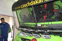 Martin Kolomý ze Starého Města postavil se svým týmem soutěžní Tatru pro Rallye Dakar 2011 doslova od prvního do posledního šroubku.