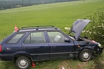 Na silnici mezi Miloticemi nad Opavou a Bruntálem usnul při jízdě osmadvacetiletý řidič Felicie.