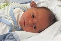 Jmenuji se ŠIMON FOLDYNA, narodil jsem se 1. listopadu, při narození jsem vážil 3155 gramů a měřil 48 centimetrů. Moje maminka se jmenuje Zdeňka Foldynová a můj tatínek se jmenuje Břetislav Foldyna. Bydlíme v Horním Benešově.