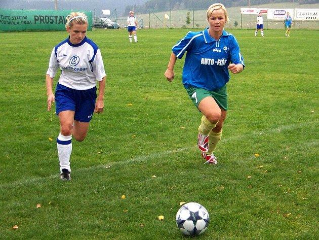Fotbalistky Olympie Bruntál v akci - ilustrační foto.
