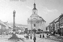 Historii Města Albrechtic připomíná výstava fotografií ze sbírky Anny Tuhé.