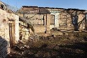 Bombardováním zničené domy ve vesnici Krasnohirivka.