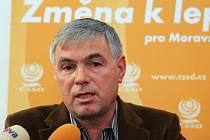 Budoucí hejtman Jaroslav Palas z Krnova ukončil jednání s lidovci a rozhodl se pro rudo-oranžovou dvoukoalici s komunisty.