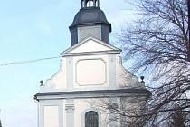Hřbitovní kostel Povýšení svatého Kříže v areálu krnovského hřbitova.