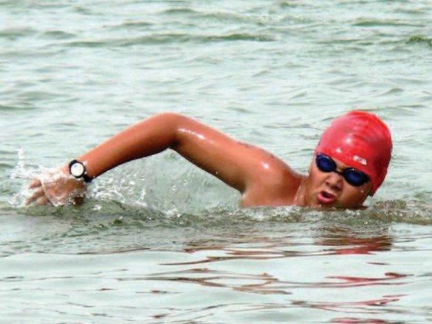Bruntálský plavecký talent Roman Procházka si vedl úspěšně i na dalších závodech v dálkovém plavání v Jablonci nad Nisou, odkud si přivezl dvě skvělá druhá místa.