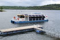 Výletní loď na elektropohon nazvaná Harta.