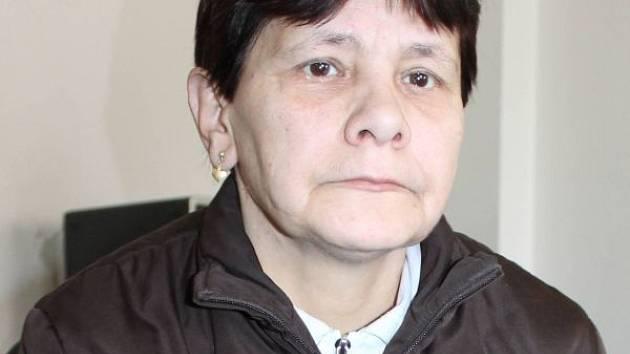Gabriela Roxerová, která přišla o práci ve Státních lázních Karlova Studánka. Podle jejího mínění pro nadbytečnost, podle vyjádření lázní pro neschopnost.