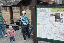 Slezská magistrála neboli cyklistická trasa číslo 55 je na Krnovsku nejvýznamnější. Tomu odpovídá i množství infotabulí a odpočívadel. Spojuje pro cyklisty bezpečně Krnov, Opavu a Velké Hoštice. Takto vypadá odpočívadlo v Úvalně.