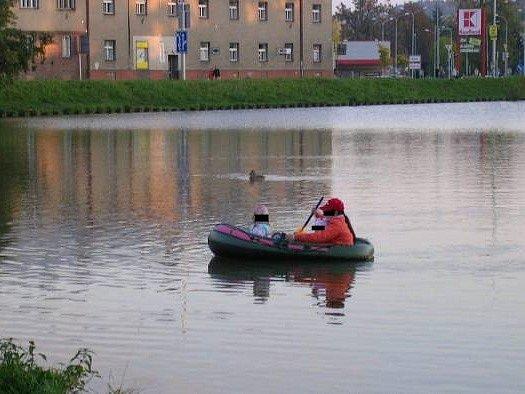 Nebezpečná plavba.