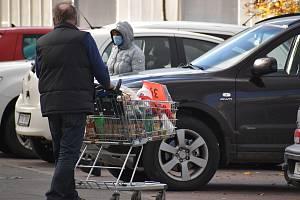 Parkoviště, market, ilustrační foto.