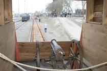 Muzeum na kolejích, to je legionářský vlak, který křižuje republikou, minulý týden si jej mohli prohlédnout lidé v Bruntále, tento týden až do 27. listopadu je jeho další zastávkou nádraží v Krnově.