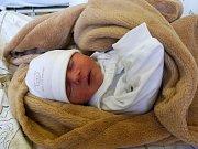 Jmenuji se OLIVER ŠUBJAK, narodil jsem se 21. dubna, při narození jsem vážil 3400 gramů a měřil 49 centimetrů. Moje maminka se jmenuje Vendula Šubjaková a můj tatínek se jmenuje Marian Šubjak. Bydlíme v Krnově.