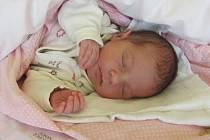 Jmenuji se ELIŠKA ANNA KOKEŠOVÁ, narodila jsem se 27. července, při narození jsem vážila 2950 gramů a měřila 48 centimetrů. Moje maminka se jmenuje Žaneta Kokešová a můj tatínek se jmenuje Josef Šír, doma se na mě těší bráška Jiříček. Bydlíme v Bruntále.