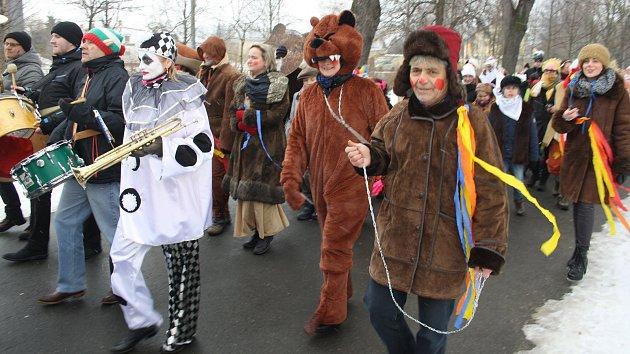 Luperkálie slavili Římané za Cézarových časů 15. února obětováním koz a psů. Krnované uchopili tento odkaz starořímské mytologie jako popeleční masopust na rozhraní pohanských a křesťanských tradic.