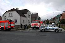V neděli ve večerních hodinách došlo v lomu za Krnovem k výbuchu. 24letý muž v přítomnosti dalších osob odpaloval zřejmě podomácky vyrobenou výbušninu.