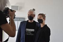 """Šéfredaktor magazínu Legalizace Robert Veverka je obžalován z šíření toxikomanie. """"Osvěta není zločin,"""" hájí se u Okresního soudu v Bruntálu."""