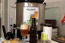 Domácí mikropivovar si pivovarník amatér může zřídit třeba v kuchyni. Základní vybavení ho vyjde na pár stovek.