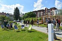 Festival Landscape hravou formou nabízí  Krnovanům zamyšlení nad městem a jeho funkcemi. Veřejné prostory oživily výstavy a umělecké instalace.