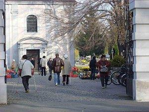 Krnovský hřbitov.