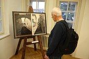 Pohledy na Krnov se jmenuje výstava zvětšenin archivních snímků a pohlednic. Je to také stejnojmenná publikace, která byla pokřtěna na vernisáži.
