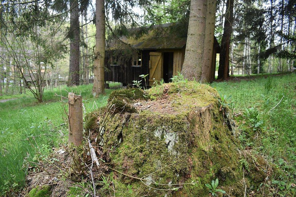 Bývalá Léčebna dlouhodobě nemocných v Kunově je na prodej i lukrativními pozemky a s bunkrem za pět milionů korun.