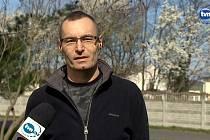 Artur Kramarczyk při rozhovoru pro polskou televizi TVN 24.