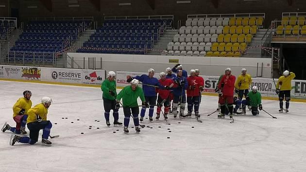 Krnovští hokejisté letost stihli jen jeden zápas