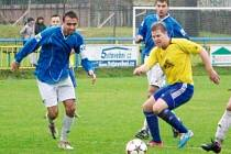Fotbalisté rýmařovské Jiskry přivezli z úvodního zápasu jarní části divize z Kozlovic cennou remízu 1:1. K oporám Jiskry stále patří zkušený záložník Michal Schreier.