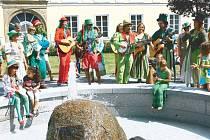 Vodníci bavili přítomné i vloni na Zámeckém náměstí v Bruntále.