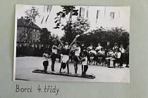 Cvičení mladých sportovců ze čtvrté třídy leskovecké školy.