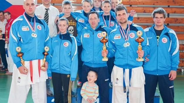 Bruntálská výprava karatistů si na mistrovství ČR v Brně vedla výborně a kromě medailí si odvezla i celkové čtvrté místo v pořadí družstev.