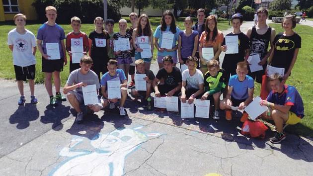 Účastníci sportovní akce pro mládež v Krnově T-Mobile Olympijský běh.