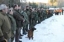 Myslivci z honitby Spálenisko uspořádali na závěr lovecké sezony společný hon, na který pozvali řadu přátel.