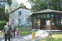 Informační centrum je v Jesenické ulici ve Vrbně pod Pradědem ve směru na Vidly, Železnou a Ludvíkov.