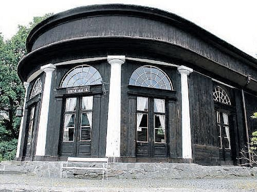 Hudební hala v Karlově Studánce se stane místem konání čtvrtého ročníku hudebního festivalu.