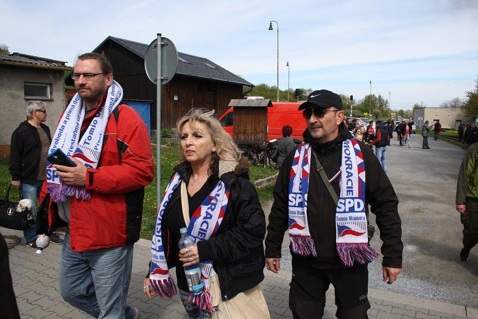 Parlamentní volby 2017. V kampani před parlamentními volbami 2017 se kandidáti SPD se svým týmem vypravili mezi apolitické fanoušky parních lokomotiv na úzkokolejce Osoblažce.