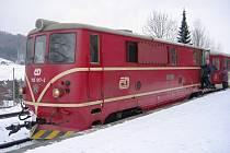 Na Osoblažce jezdí lokomotivy řady T47.0 od padesátých let. Tato s označením 705 917 byla kvůli havárii motoru vyřazena z provozu.